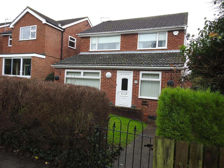 3 Bedrooms Detached House for sale in Totnes Close, Hucknall, Nottingham